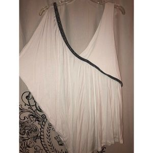 Tops - White top with spark detail